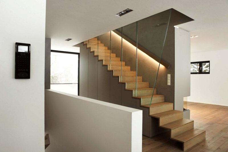 Treppe und Parkettboden Landhausdielen